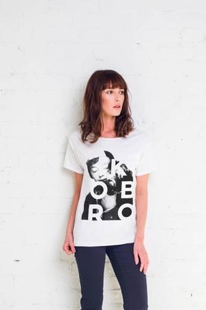 Kobro artist t shirt oversize