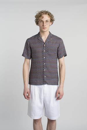 White linen bermuda shorts