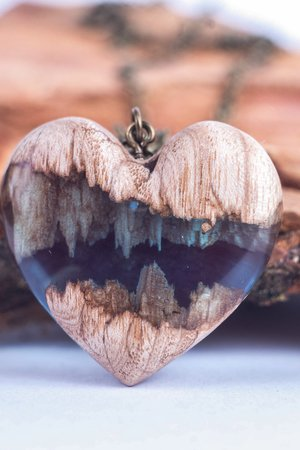 Naszyjnik broken blue heart