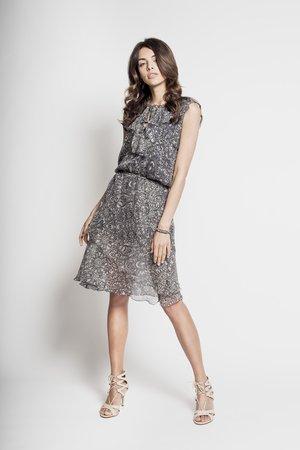 Satori jedwabna sukienka z falbankami