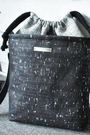 65e4b89fc333c Lililu - korkowa torebka midi- czarny ze srebrem ...