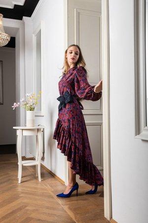 Jedwabna sukienka z asymetryczna falbana barcelona